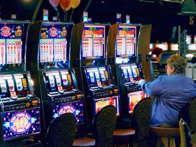 Увлекательный игровой автомат Banana Splash  в казино Eldorado