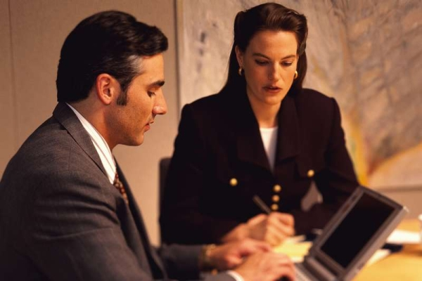Признаки профессионального юриста