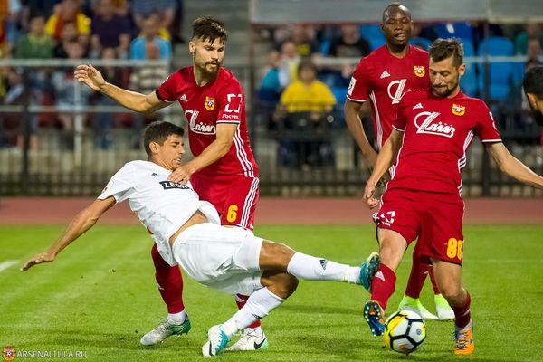 Тульский «Арсенал» выигрывает у московского «Динамо» после первого тайма