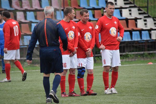 Ленинский «Спартак» выиграл у «Машиностроителя» и другие результаты 20-го тура ветеранского первенства области
