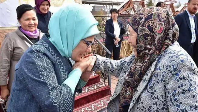 Великодушие и доброе сердце первой леди Турции— ФОТО