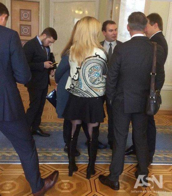 Депутат от «Народного Фронта» пришла в парламент в платье за 100 тысяч гривен (ФОТО)