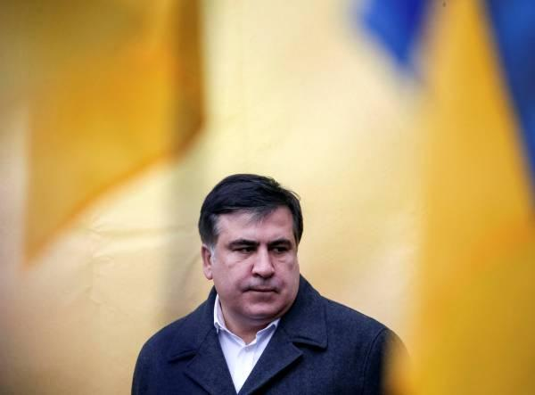 """Саакашвили рассказал о посланной ему Порошенко """"черной метке"""""""