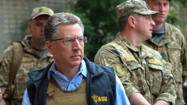 Без камер: о чем говорил Курт Волкер в Украине