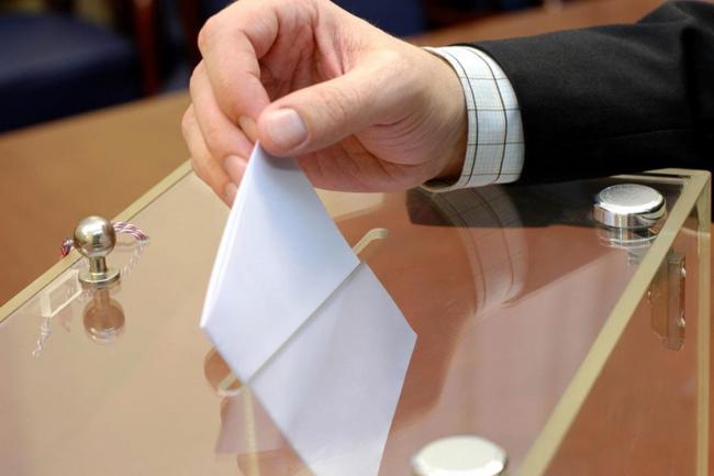 На местных выборах в Украине победили 60 кандидатов от