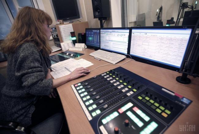Украинского станет больше: изменение языковых квот на радио