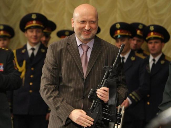 Богаче главы правительства: СМИ узнали, сколько зарабатывает Александр Турчинов
