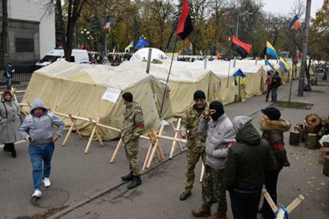 Агрессия «мирной» акции. Кто следующая жертва митингующих под ВР?