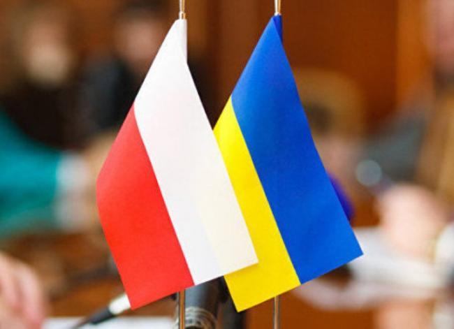 Польша обвинила Украину в причастности к массовым расстрелам