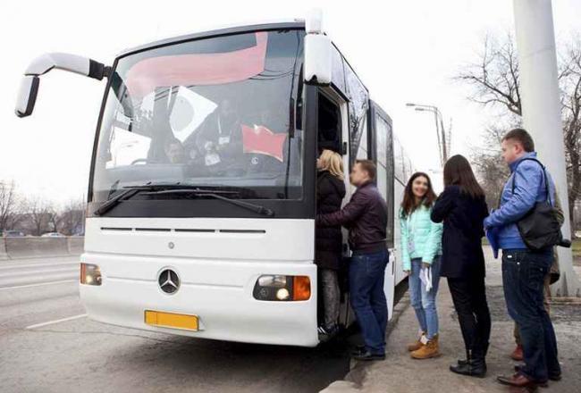 У Порошенко предлагают запретить пассажирские перевозки с Россией