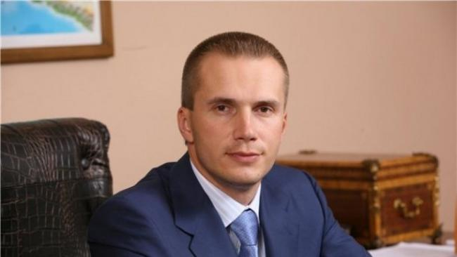 Александр Янукович собирается оспорить в международном суде ликвидацию своего банка в Украине