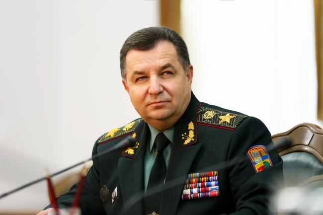 Министр обороны заявил о готовности реагировать на обострение ситуации в Луганске