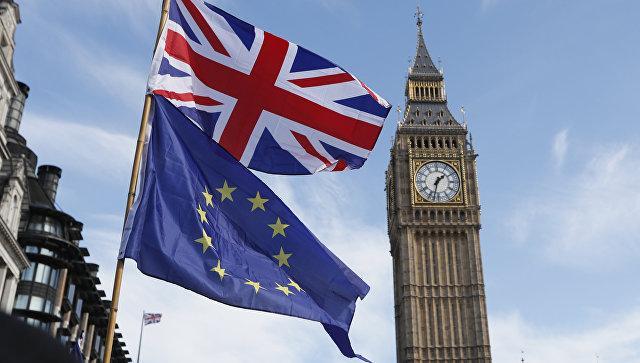 Брюссель хочет обязать Британию соблюдать новые законы ЕС после Brexit