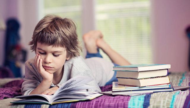 Чтение вслух улучшает память, заявляют ученые