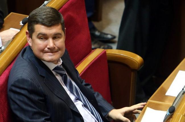 Скандальный депутат-беглец передумал возвращаться в Украину