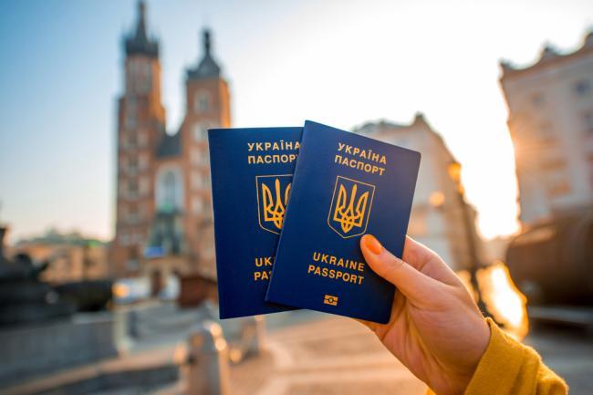 Украину могут лишить безвиза с ЕС: дипломат дал свою оценку