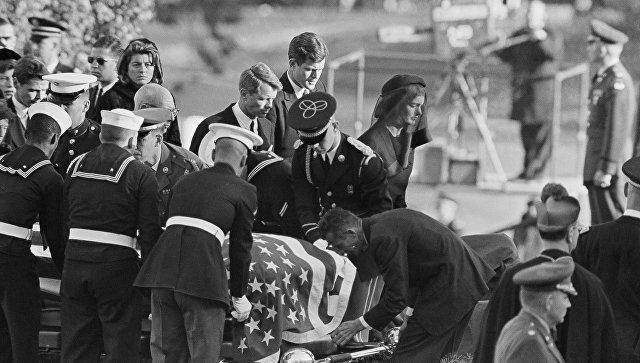 В США опубликовали новые документы об убийстве Кеннеди