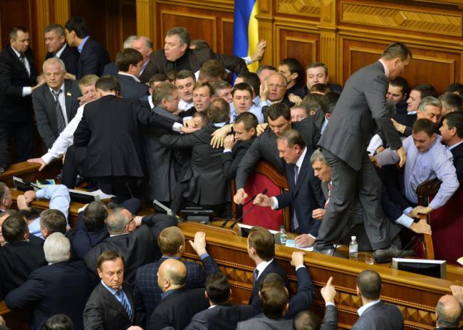 Западные СМИ: украинские политики не поддерживают реальные реформы в стране