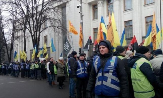 В правительственный квартал стянули 3,8 тыс. силовиков