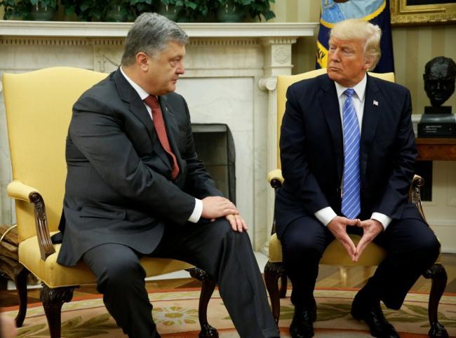 Стало известно, почему Трамп не встретился с Порошенко в Давосе