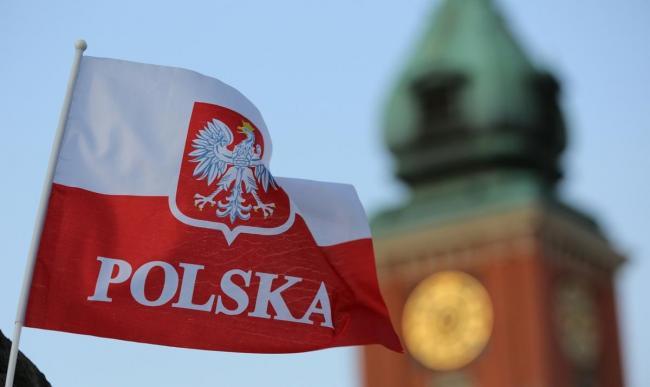 Сенат Польши проголосовал за скандальный закон о запрете
