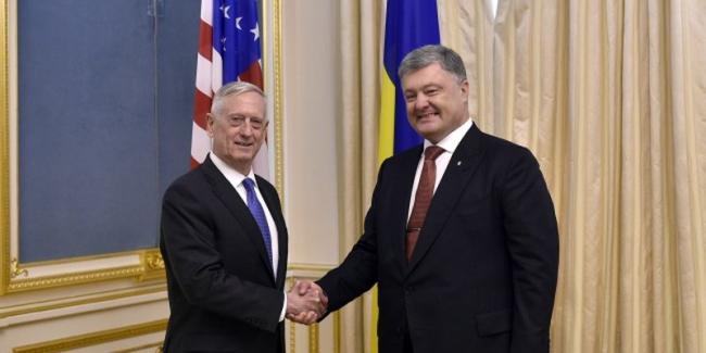 Стали известны подробности встречи Петра Порошенко и министра обороны США