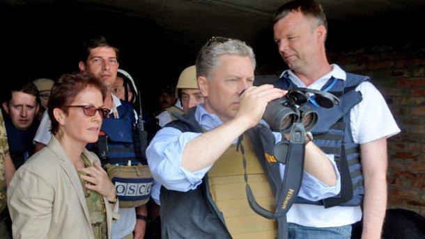 На Донбассе идет война, — Волкер