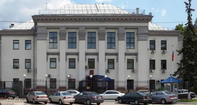Полиция усиливает охрану российских дипломатических ведомств в Украине