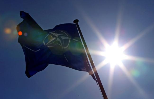 Изгнание продолжается: НАТО высылает российских дипломатов