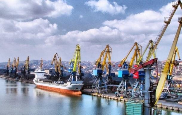 После возведения арок керченского моста в порт Мариуполя не могут зайти сотни судов