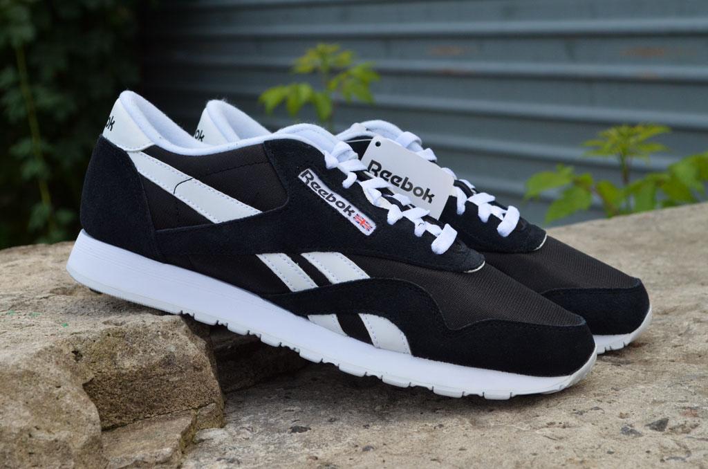 Качественные и стильные мужские кроссовки Reebok