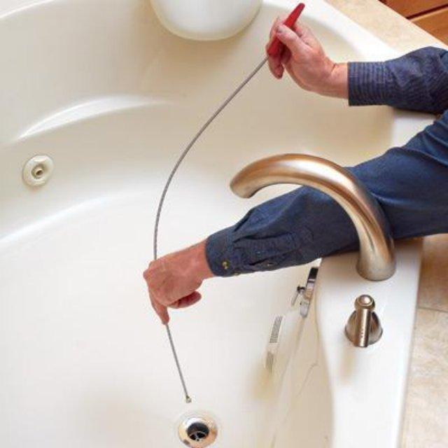 Лучший способ устранить засор в ванной – обратиться к специалистам!