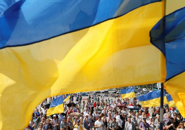 Очень разные: политолог рассказал о различиях украинцев и русских
