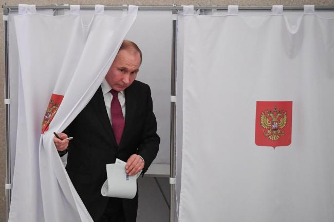 Путин может уйти с поста президента России раньше срока, - политолог