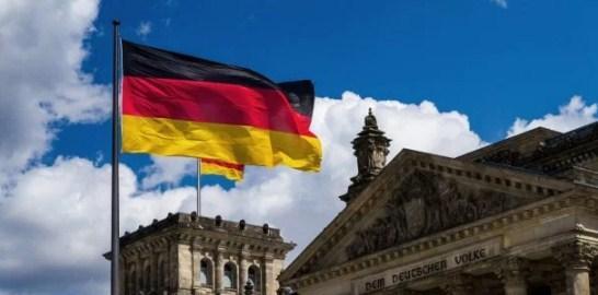 Почему Германия отказалась от удара по Сирии: Макрон назвал причины