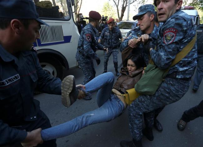 В Ереване массовые задержания противников Саргсяна