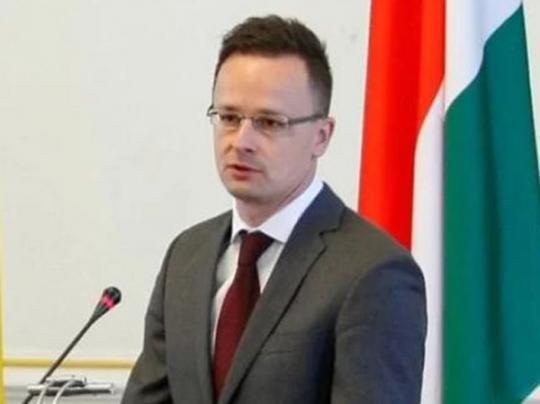 Сийярто ждет от Украины «третий нож в спину»