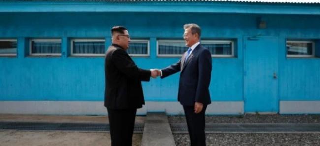 Встреча надежды и реализма: западные СМИ об историческом саммите лидеров двух Корей и результате