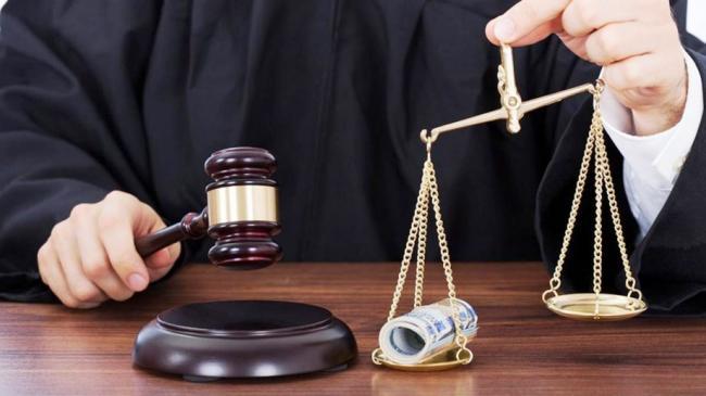 Президент Украины сообщил, когда будет принят закон о создании Антикоррупционного суда