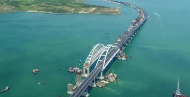 Крымский мост уже начал приносить РФ серьезные проблемы
