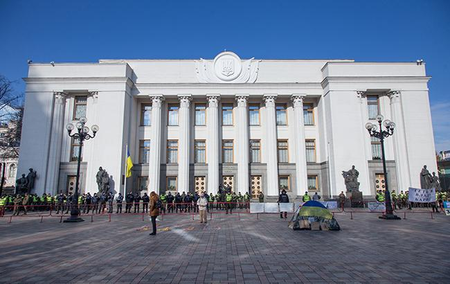 Досрочные выборы в Верховную Раду не принесут выгоду Петру Порошенко, - эксперт
