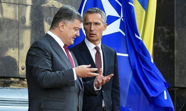 Порошенко и и генсек НАТО обсудили вопрос ввода миротворцев на Донбасс
