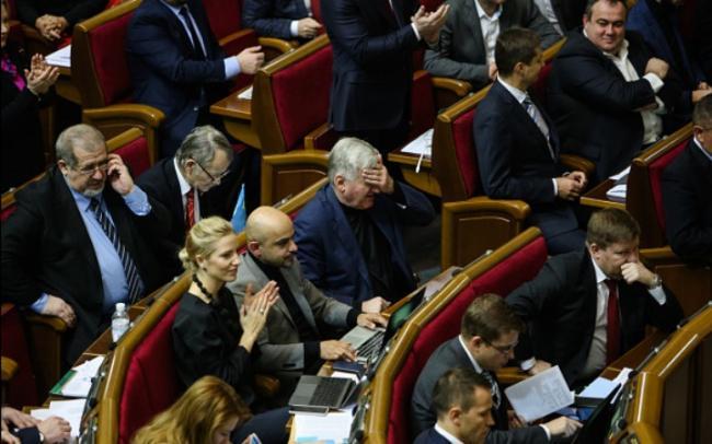 Петр Порошенко надеется, что Верховная Рада проголосует за снятие депутатской неприкосновенности