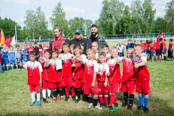 Максим Беляев организовал детский турнир в Озёрах