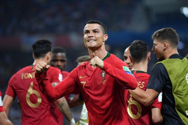 Уругвай вырвал победу у Египта, Криштиану Роналду сделал хет-трик в Сочи