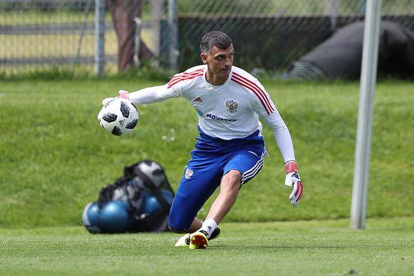 Анатолий Бышовец: Джанаев выглядит как вратарь сборной России более приемлемо, чем Габулов