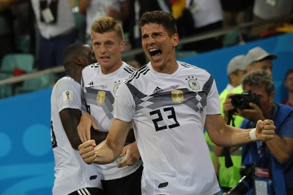 Германия вырвала победу у Швеции, Бельгия разгромила Тунис