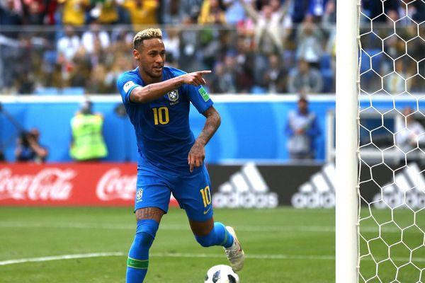 Бразилия вырвала победу у Коста-Рики, Швейцария— у Сербии
