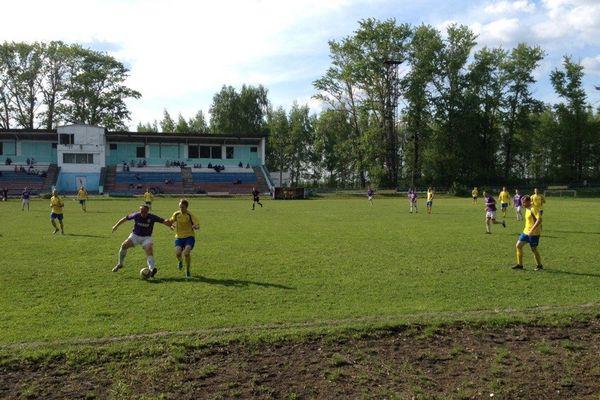 Энергетическое дерби в Товарковском и другие матчи 4-го тура второй группы