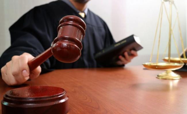 Стало известно, какой суд будет рассматривать дело экс-переводчика Гройсмана